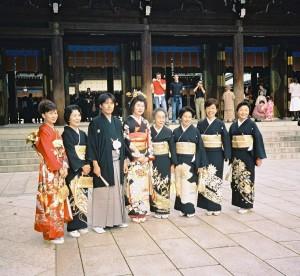 Japansk bryllup i bydelen Harajuku, web: http://zoeescher.com/