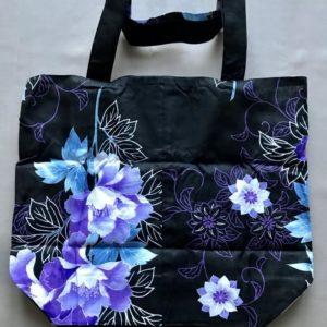Japansk bæredygtig taske med blå og lilla blomster