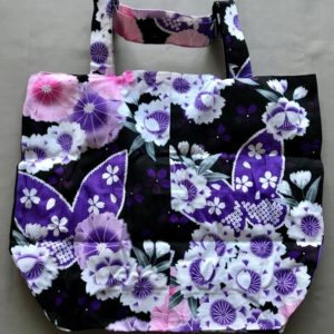 Japansk bæredygtig taske med lyserød og lilla blomster