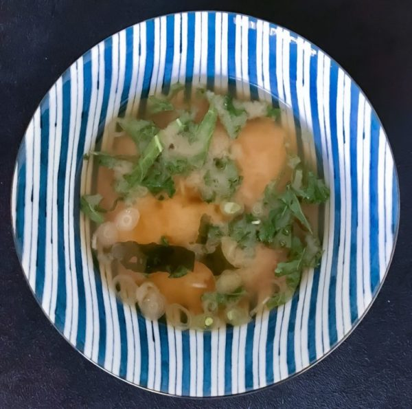 Okinawa misosuppe