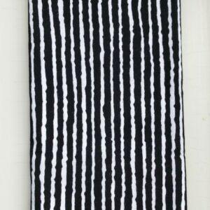 Japansk sort stibet pynteklæde