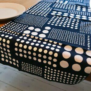 Japansk bordløber med hvide prikker
