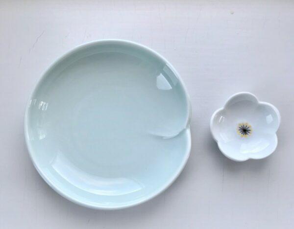 Celadon og hvid blomst spisepindeholder