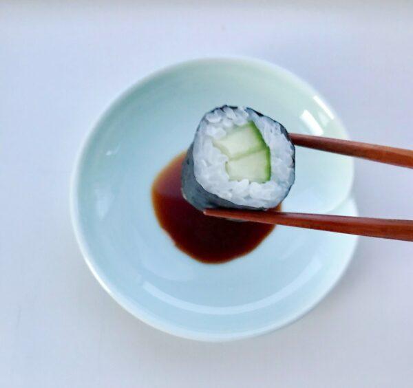 Celadon soyaskål og sushi