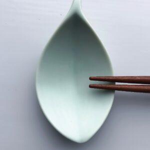 Mintgrøn bladformet spisepindeholder